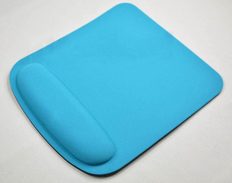 jergonomichnyj kovrik dlja myshki easy touch 11 - Эргономичный коврик для мышки Easy Touch: поддержка для запястья из Memory Foam, профилактика туннельного синдрома кисти