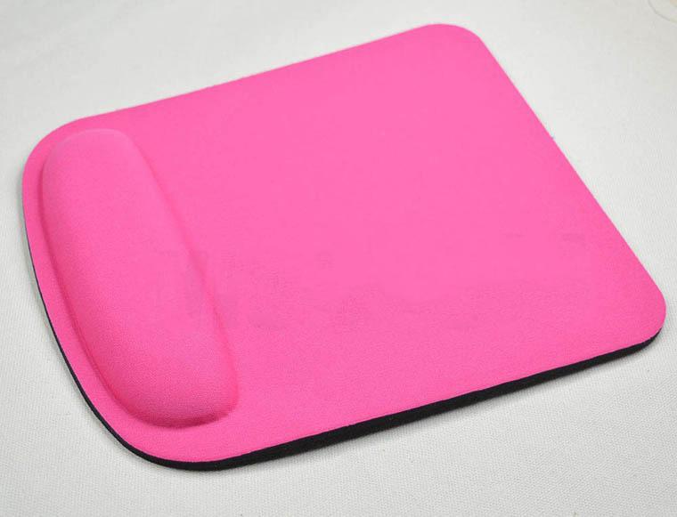 jergonomichnyj kovrik dlja myshki easy touch 13 - Эргономичный коврик для мышки Easy Touch: поддержка для запястья из Memory Foam, профилактика туннельного синдрома кисти