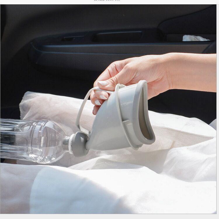 Портативный дорожный писсуар (туалет-лейка) для мужчин и женщин UniRina: многоразовый, прикручивается к бутылке, с держателем
