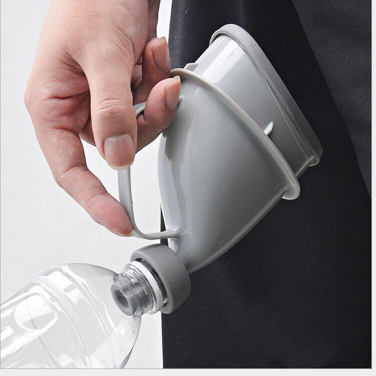 Портативный дорожный писсуар (туалет-лейка) для мужчин и женщин UniRina: многоразовый, прикручивается к бутылке, с держателем 118248