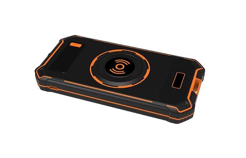 besprovodnaja qi zarjadka s funkciej paver banka 10000 mach 20 - Беспроводная Qi зарядка с функцией павер-банка 10000 мАч: 2 х USB (2А), Micro USB вход 2А