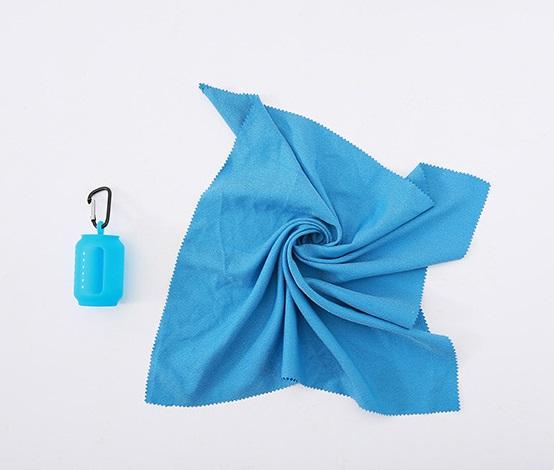 Быстросохнущее полотенце Cold Towel в силиконовом чехле 40 х 40 см