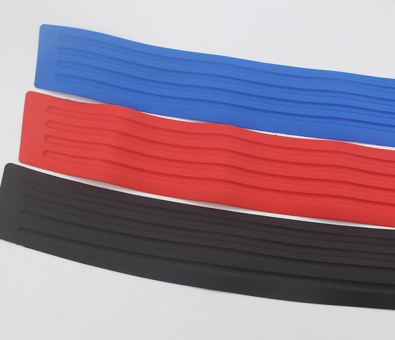 Защитная накладка на порог багажника автомобиля – ПВХ, 90 х 8 см