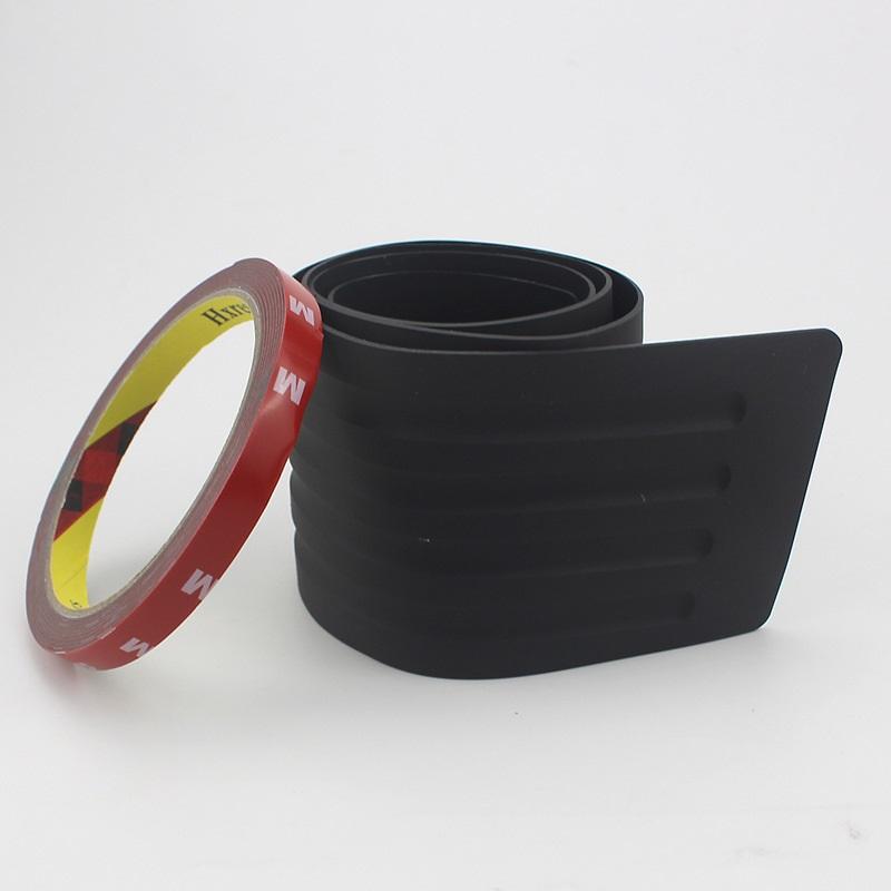zashhitnaja nakladka na porog bagazhnika avtomobilja 09 - Защитная накладка на порог багажника автомобиля – ПВХ, 90 х 8 см