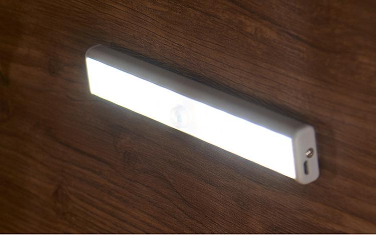 svetodiodnyj usb svetilnik s datchikom dvizhenija 20 svetodiodov 07 - Светодиодный USB-светильник с датчиком движения – 20 светодиодов