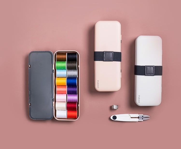 shvejnyj nabor v futljare sewing kit 05 - Швейный набор в футляре Sewing Kit: 16 катушек нити, набор игл, нитенаправитель, наперсток, ножницы