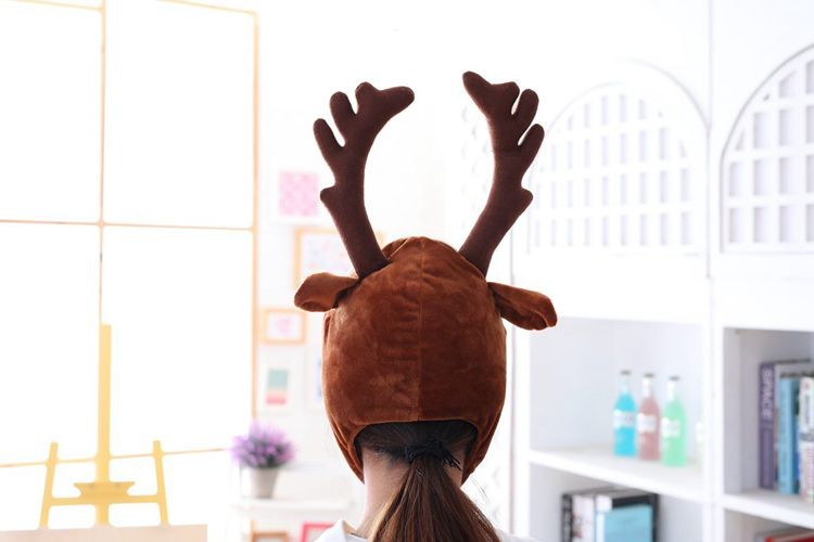 novogodnjaja shapka s rogami olenja shapka s olenem 11 - Новогодняя шапка с рогами оленя, шапка с оленем