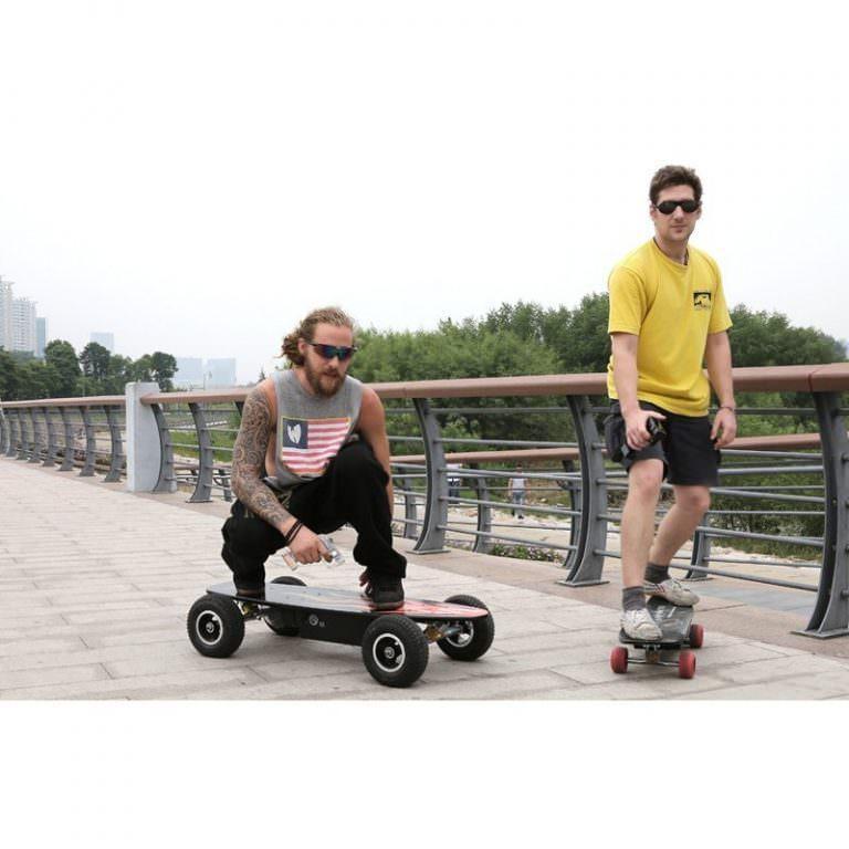 1254 - Электрический скейтборд Easy Go с дистанционным управлением для начинающих и детей от 14 лет – 150 Вт, 10000 мАч