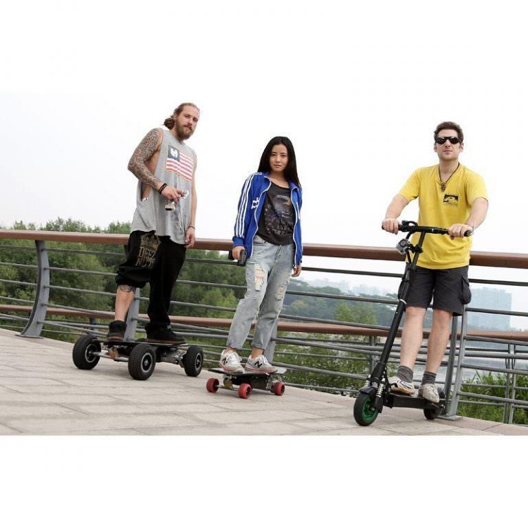 1267 - Электрический скейтборд Easy Go с дистанционным управлением для начинающих и детей от 14 лет – 150 Вт, 10000 мАч