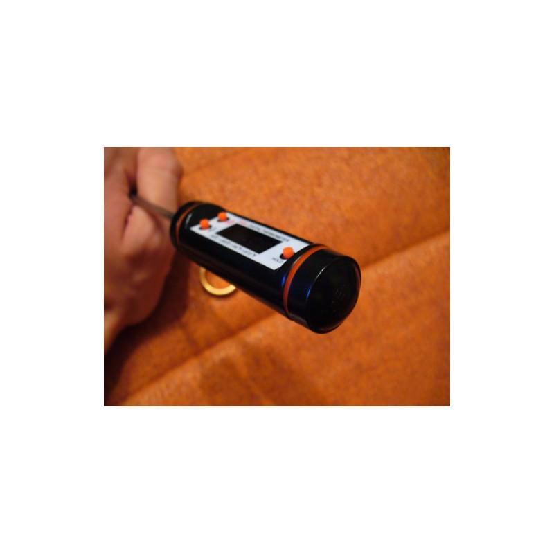 Кухонный набор Хозяюшка: электронные весы, электронный кухонный термометр с щупом TP101, насадка-дозатор для бутылок 165193