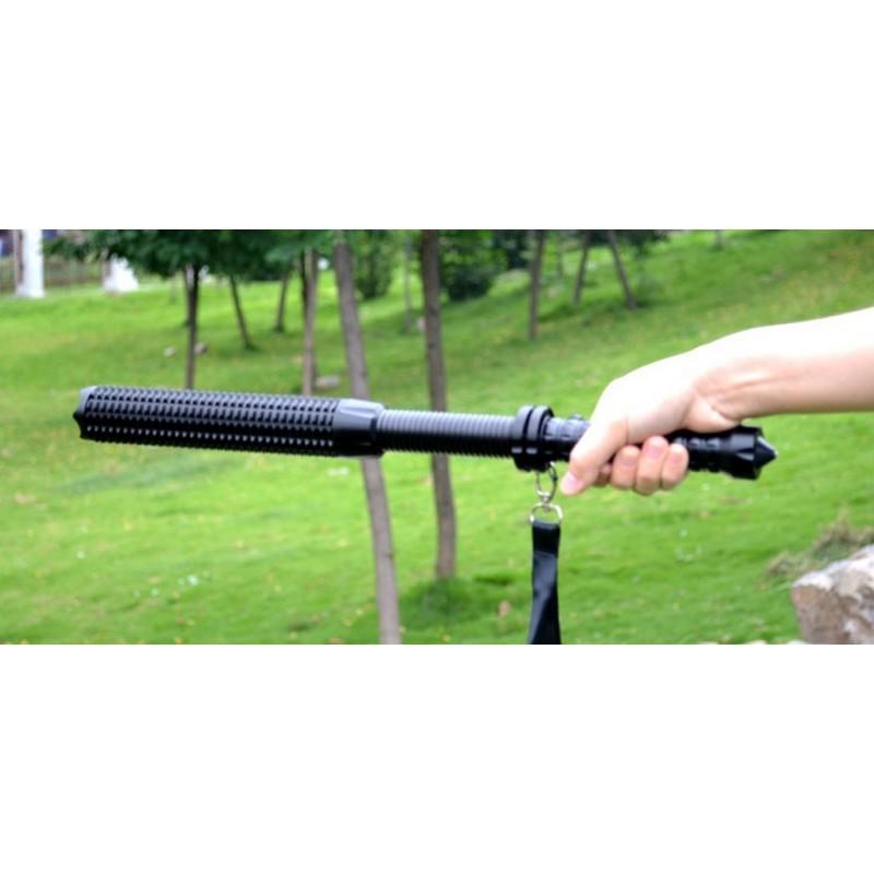Телескопический фонарь-бита для самозащиты и не только 165230