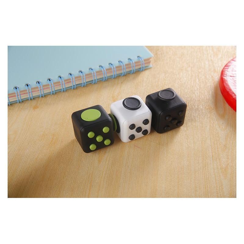 Антистрессовая игрушка для неспокойных рук Fidget cube 202203
