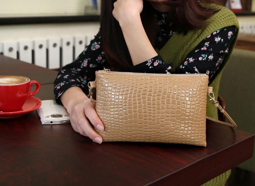 26256 - Стильная кожаная сумочка-клатч Bursa Croco на длинном ремешке 815529c29550f