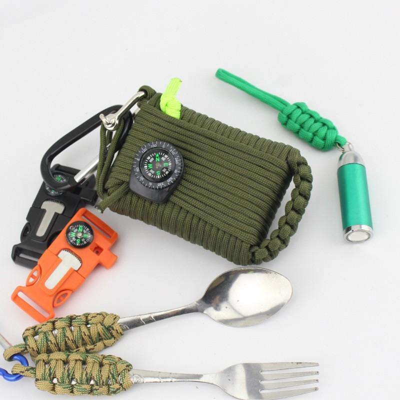Портативный комплект выживания из 29 предметов: веревка 10,5 м, огниво, компас, рыболовные снасти, аптечка 206243