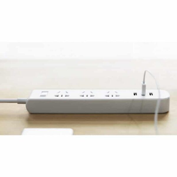 29595 - Умная розетка Pisen 303 - 3 USB выхода, 3 розетки, защитный переключатель, защита от детей