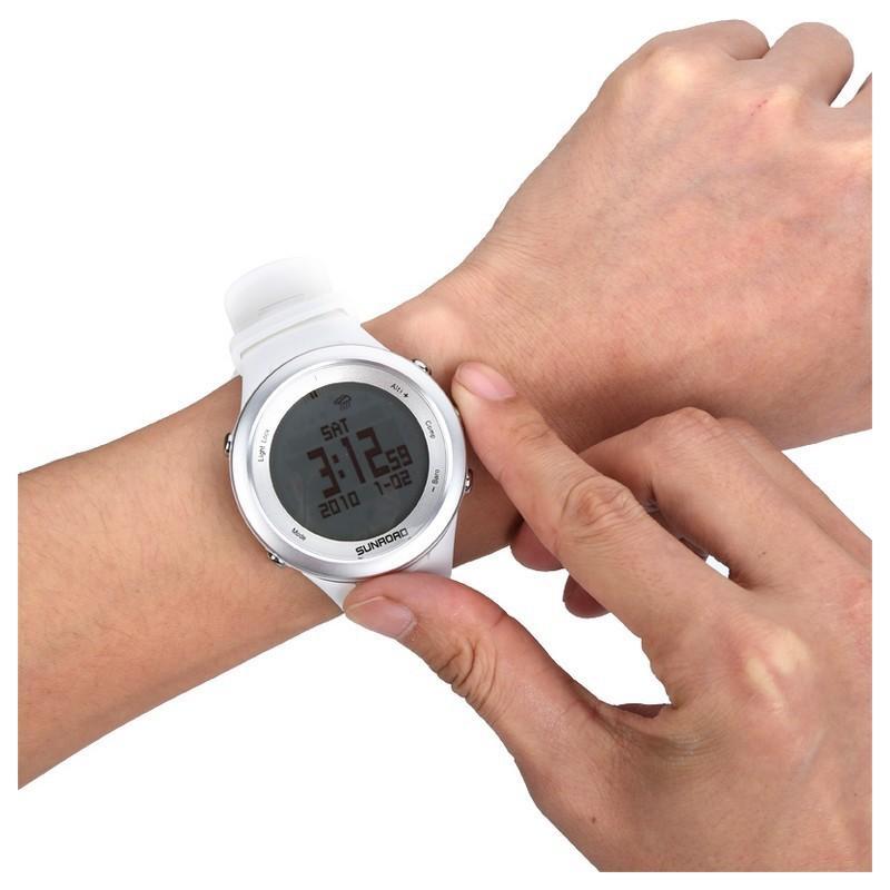 Спортивные часы Sunroad FR852A – ЖК-дисплей, атмосфероустойчивость, счетчик калорий, компас, высотомер, барометр, секундомер