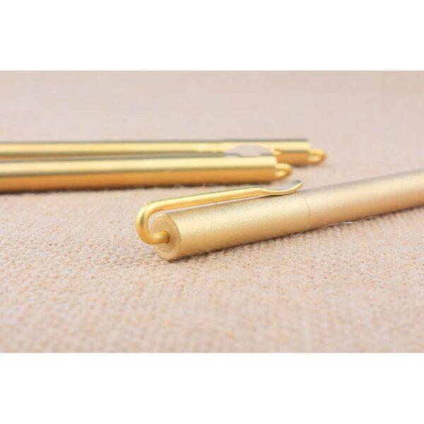 38227 - Металлическая латунная шариковая ручка: блестящая, матовая, стержень и чехол в комплекте