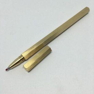 Металлическая латунная шариковая ручка шестигранной формы: матовая полировка, стержень и чехол в комплекте