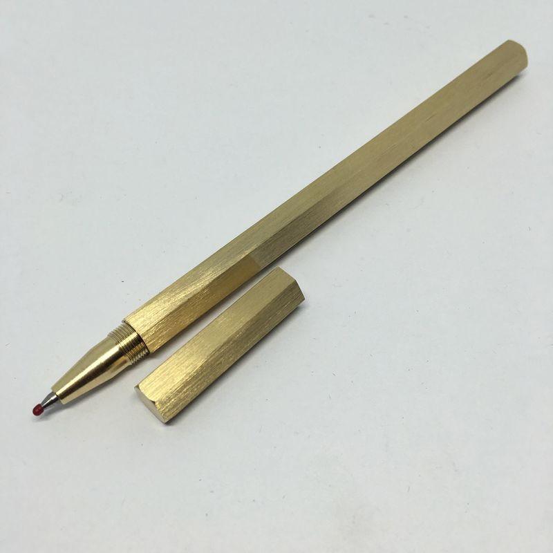 38273 - Металлическая латунная шариковая ручка шестигранной формы: матовая полировка, стержень и чехол в комплекте