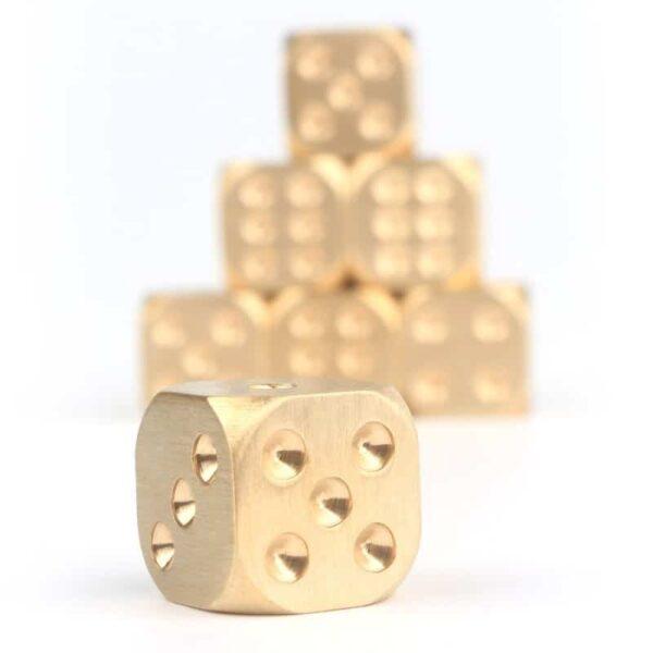 38310 - Металлические латунные игральные кости (кубики) 2 шт.