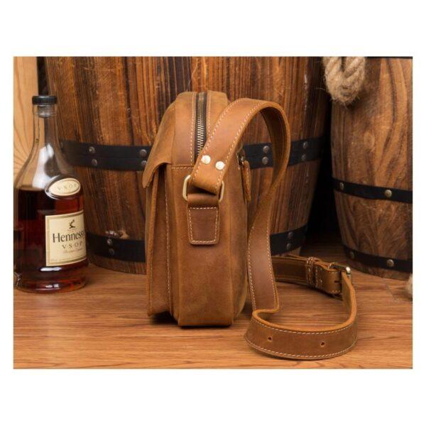40315 - Мужская плечевая сумка Mantime August из натуральной кожи Crazy Horse