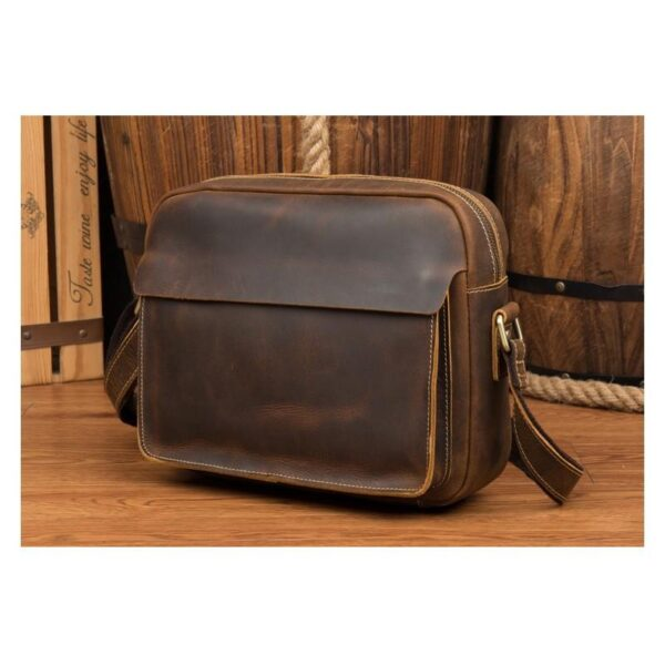 40323 - Мужская плечевая сумка Mantime August из натуральной кожи Crazy Horse