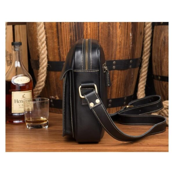 40325 - Мужская плечевая сумка Mantime August из натуральной кожи Crazy Horse
