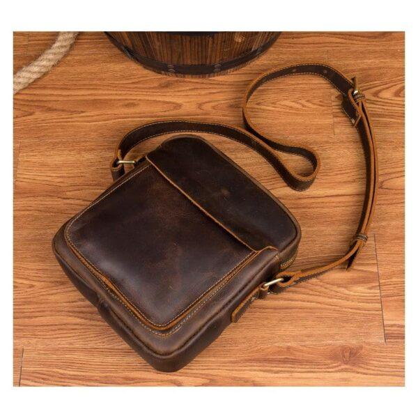 40326 - Мужская плечевая сумка Mantime August из натуральной кожи Crazy Horse