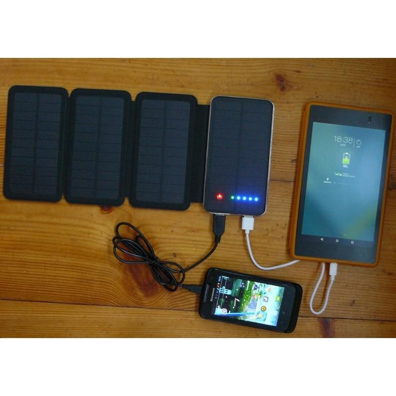 Внешний аккумулятор RIPA 10000 мАч  с солнечной панелью 6Вт, 2x USB для зарядки смартфонов и планшетов 183561