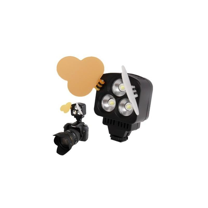 Накамерный LED свет для фотоаппарата и видеокамеры P-1643, 3 LED,  850 люкс 184017